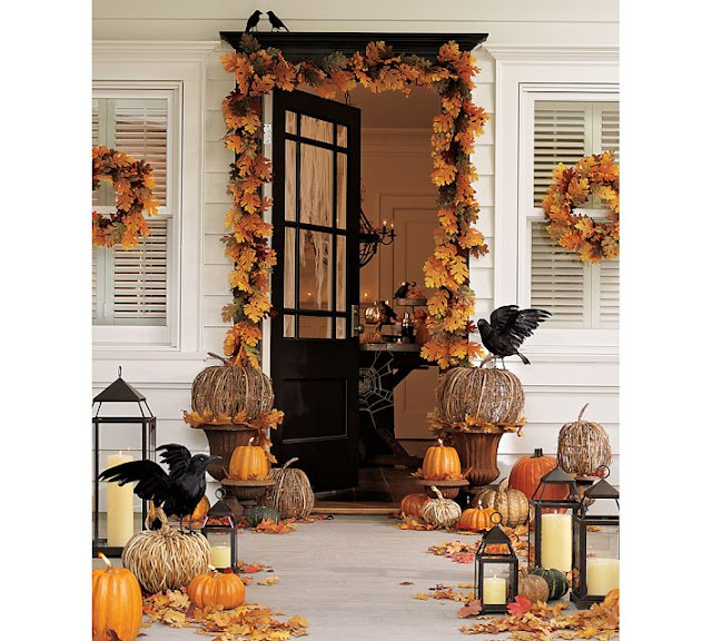 Decorating your outdoor entry for fall driven by decor - Decoration halloween maison ...