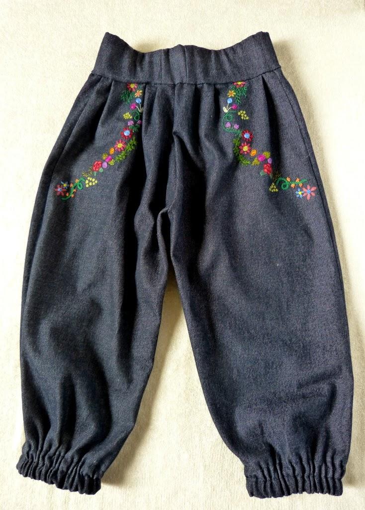 spodenki alladynki, haremki, pumpy dla dziecka, haft ręczny na odzieży, embroidered clothing,