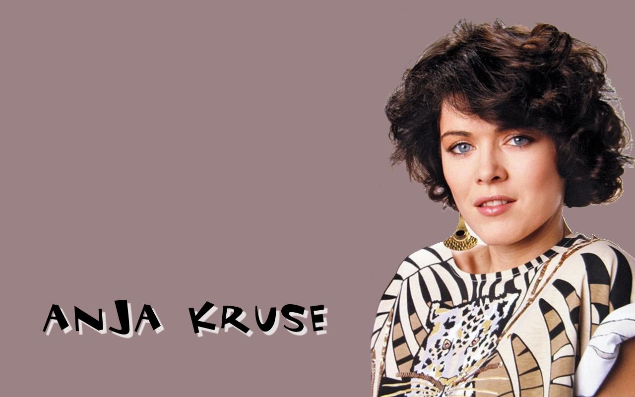 Anja Kruse Wallpaper. Narodená : 5. august 1956, Essen, Severné Porýnie-Vestfálsko, Nemecko Povolanie: herečka