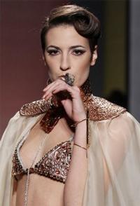Vanessa Lekpa haute couture romantique Gattinoni broderie fait main
