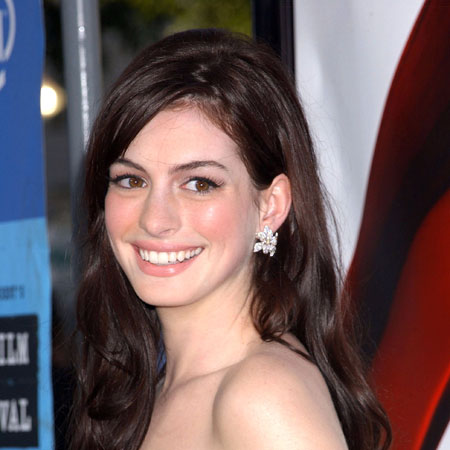 anne hathaway hair