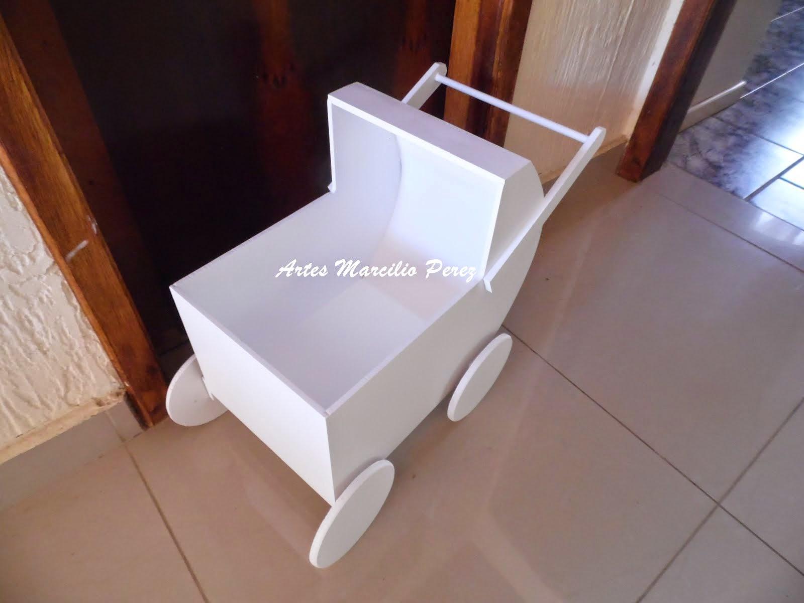 Carrinho Provençal de bebe de chão R$ 80,00