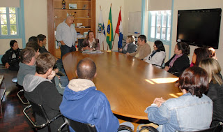Reunião aconteceu entre Procuradora Municipal, Secretário de Governo e representantes da classe