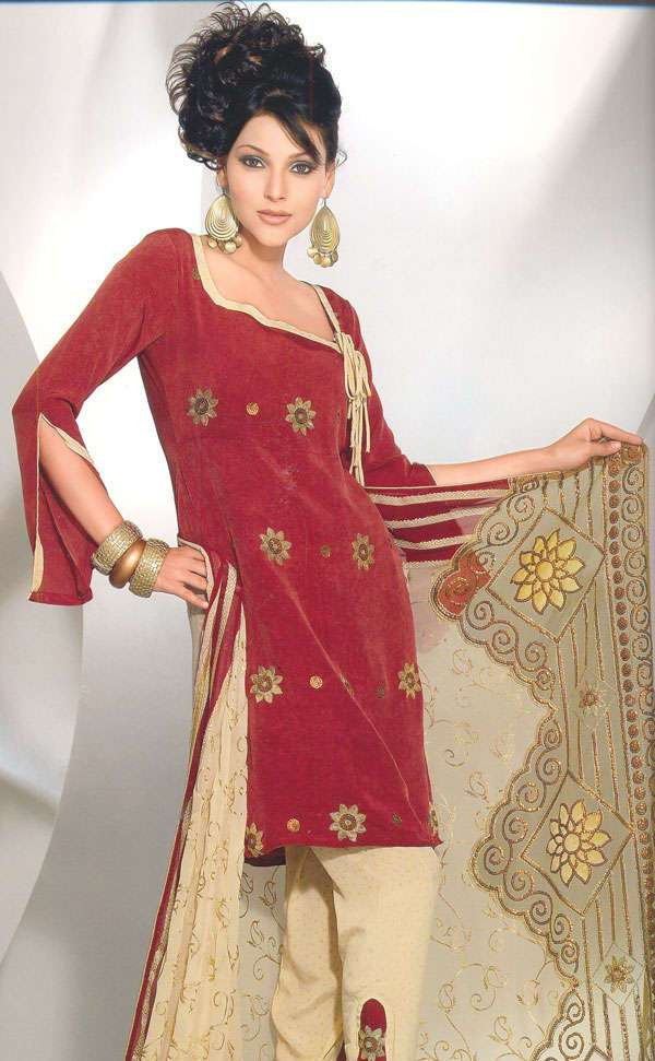 Hairstyle For Long Hair On Salwar Kameez : Welcome to Fashion Forum: Trendy Shalwar Kameez Designs of 2009