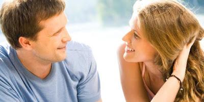 Bukan Uang, 5 Hal Ini Yang Sebenarnya Diinginkan Wanita Dari Pria