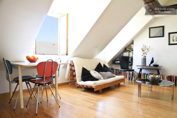 Un Pequeño Apartamento Sobre Los Tejados De París // Ein Kleines Apartment  über Den Dächern Von Paris.