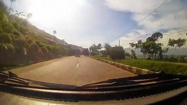 jalan angker dan misterius indonesia