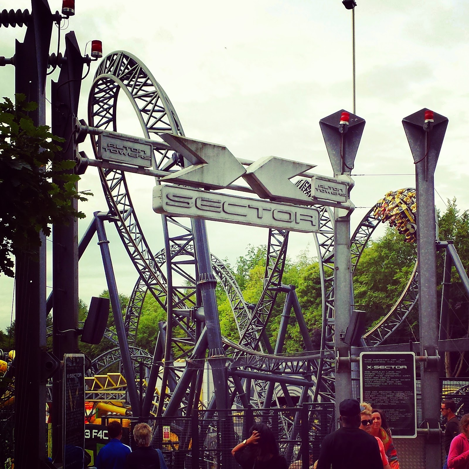 Alton Towers X-Sector The Smiler @ellia_ferro instagram