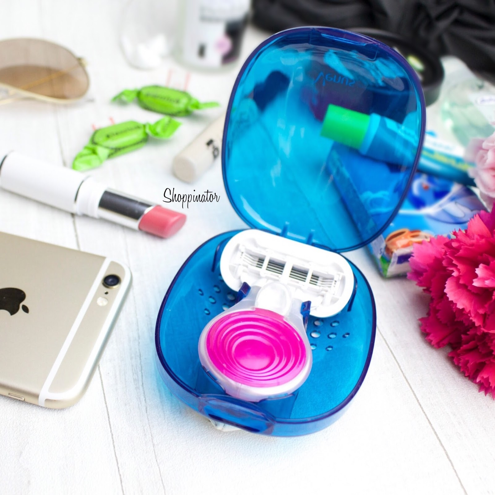 What's in my Bag – 'Gillette Venus Embrace Snap'