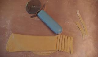 Лапша домашняя, приготовленная с беконом