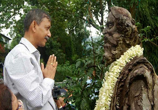 Gautam deb in mungpoo Rabindranath Tagore birth anniversary in mungpoo 2011