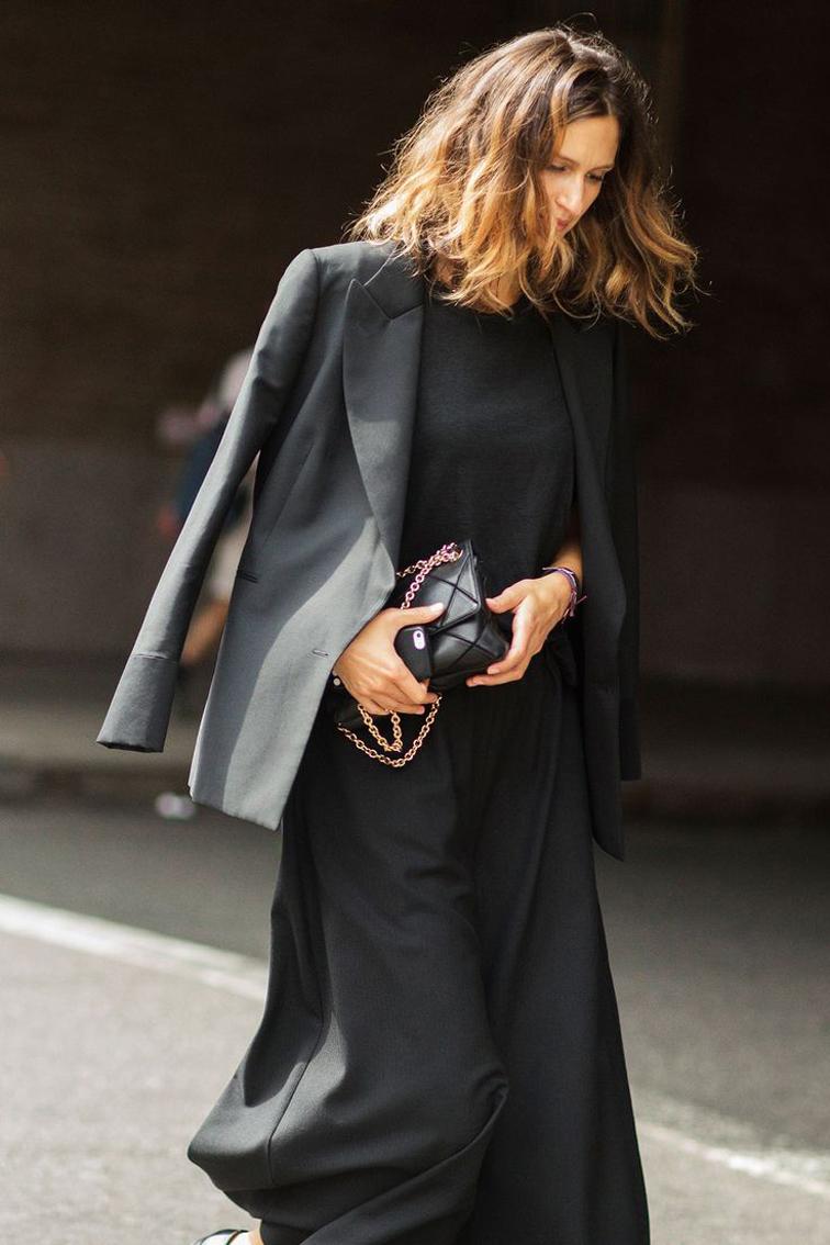 All black, street style, Chanel bag