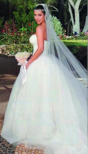 Kardashian Dresses on The Everything Girl  Kim Kardashian Wedding Dresses