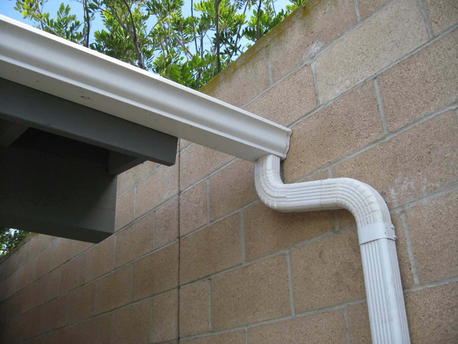 How to install a downspout in a gutter - Harvesting Rain Gutters Downspouts And Rain Chains
