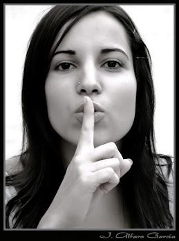 Para no pecar con mi lengua; guardaré mi boca con freno, en tanto el ímpio esté delante de mi.