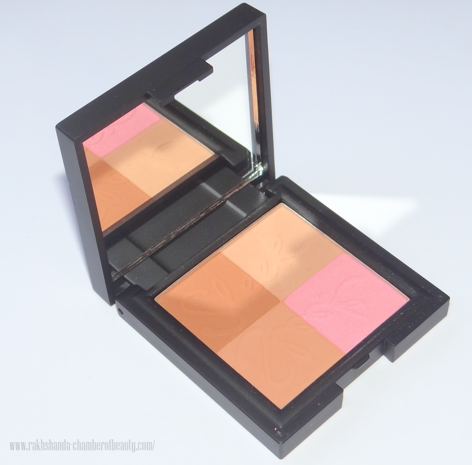 Sleek Makeup Bronze Block (LIGHT) Review, Photos & Swatches, Best drugstore bronzer, Indian beauty blogger, Chamber of Beauty