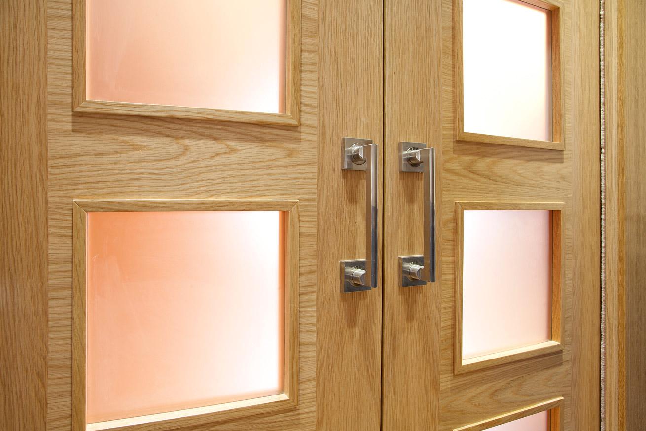 Soluciones a medida por carpinteros profesionales for Puertas madera a medida