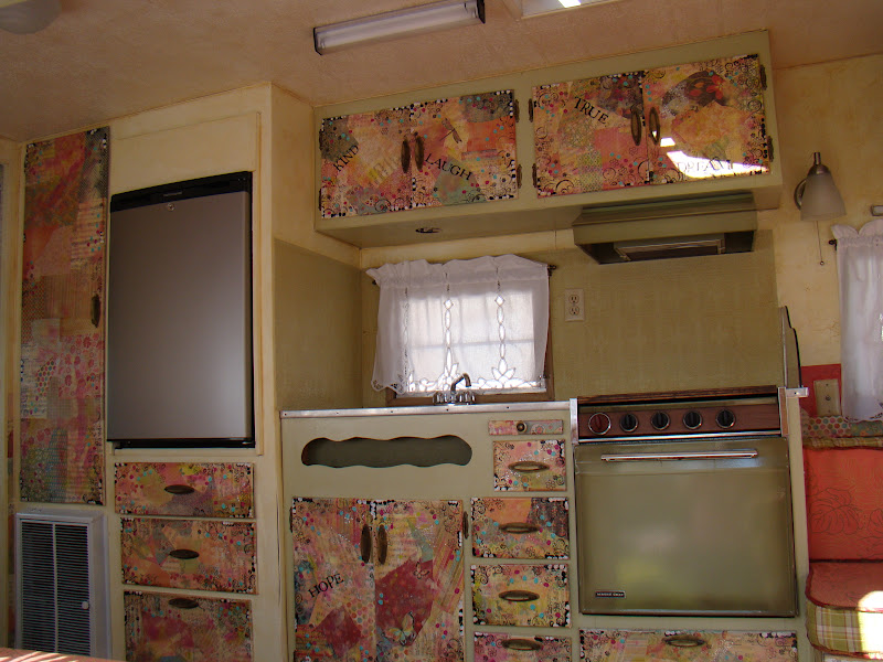 Friday April 20 2012 : decoupage kitchen cabinets - Cheerinfomania.Com