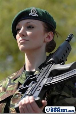 Cantik Dan Berani askar wanita