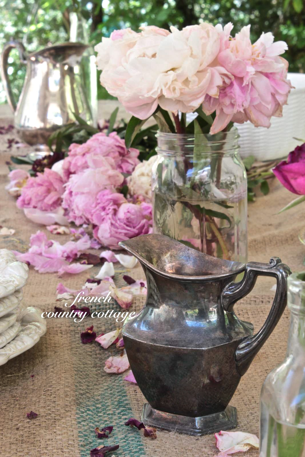 Simple charm french country cottage - French country table centerpieces ...