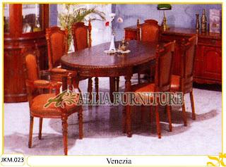 Kursi dan Meja Makan Kayu Jati Ukiran Venezia