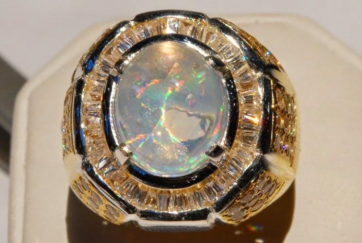 Khasiat Cincin Akik Opal
