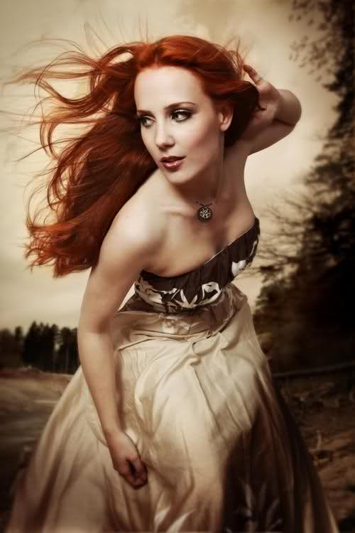 simone simons ladies sexy - photo #14