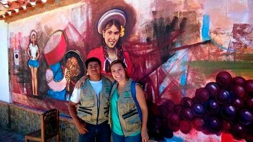 La muralista Julieta Barbuio que viajó a Tarija Bolivia