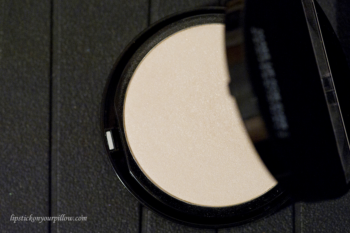 Professional and Drugstore Highlighters for Fair Skin - Lipstick ...