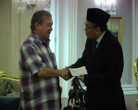 Sultan Johor Sumbang RM1 Juta Bantu Mangsa Banjir Malaysia