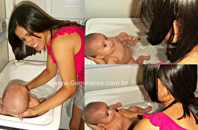 Banho de bebês gêmeos - 4 Dicas