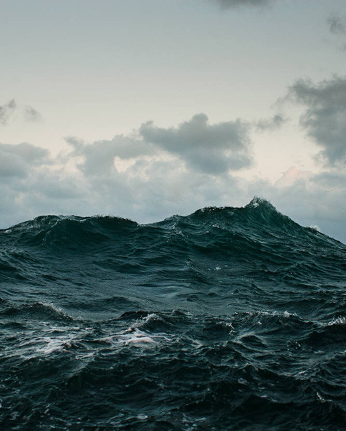 dark blue high seas, angry ocean