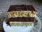 Tejbegrízes csíkos szelet, kevert tésztás, mákos, kakaós, vaníliás, diós, dejós sütemény.