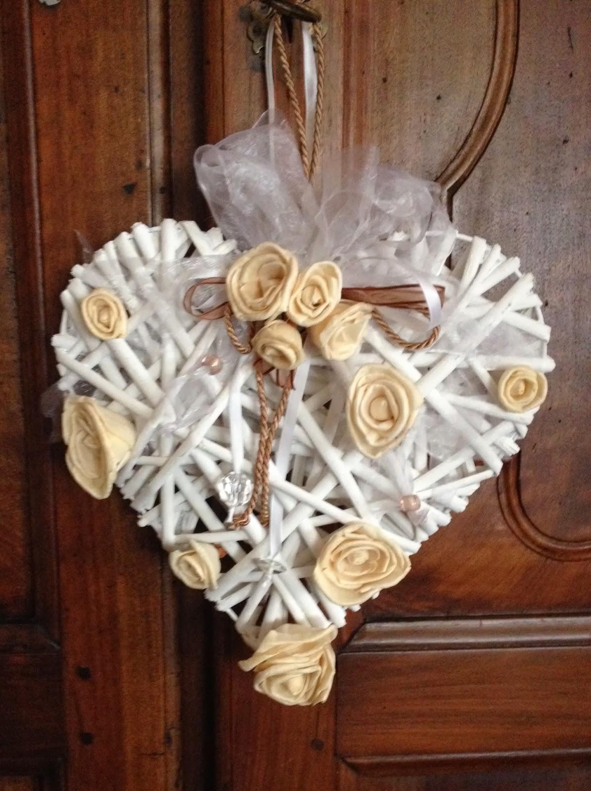 La chicca crea dicembre 2013 for Comodini grezzi da decorare