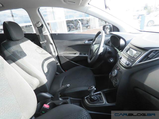 Hyundai HB20 X 2016 Style 1.6 Automático - interior