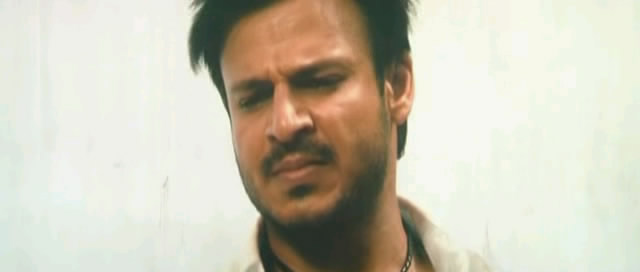 Screen Shot Of Hindi Movie JAYANTABHAI KI LUV STORY (2013) Download And Watch Online Free at worldfree4u.com