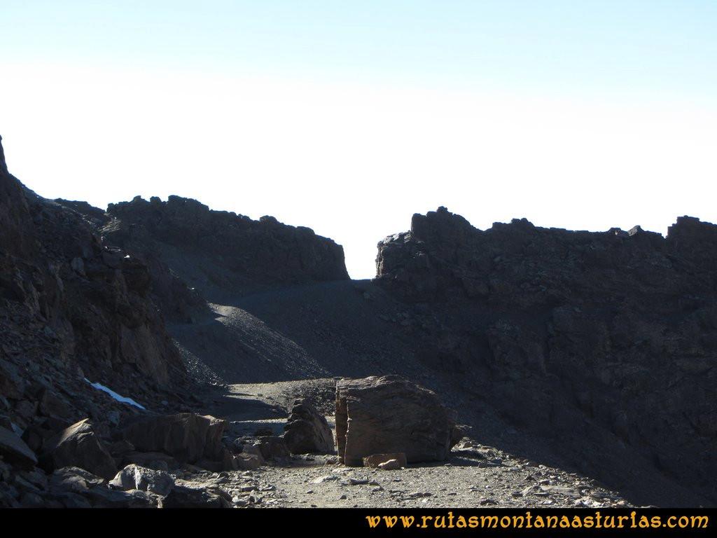 Ruta Posiciones del Veleta - Mulhacén: Senda al Mulhacén