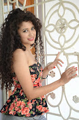 Soumya Sukumar New photo shoot-thumbnail-8
