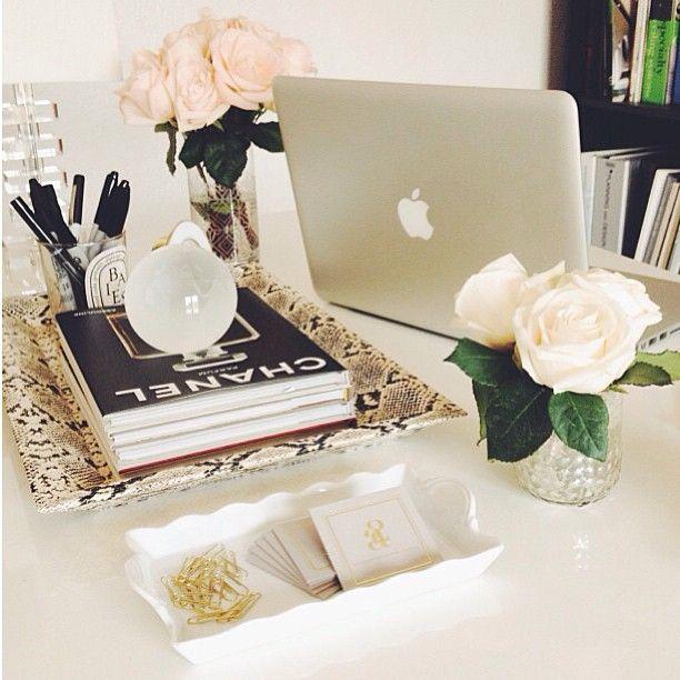 Desk design Chic office decor