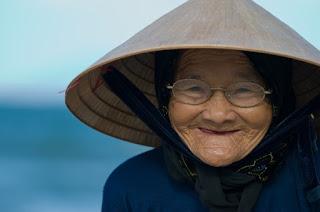 Hình ảnh về nụ cười của một cụ Bà