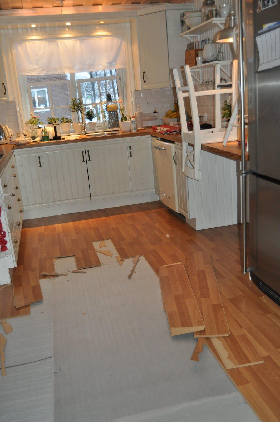 TildaochMamma: Operation byta golv... : målade trägolv : Inredning