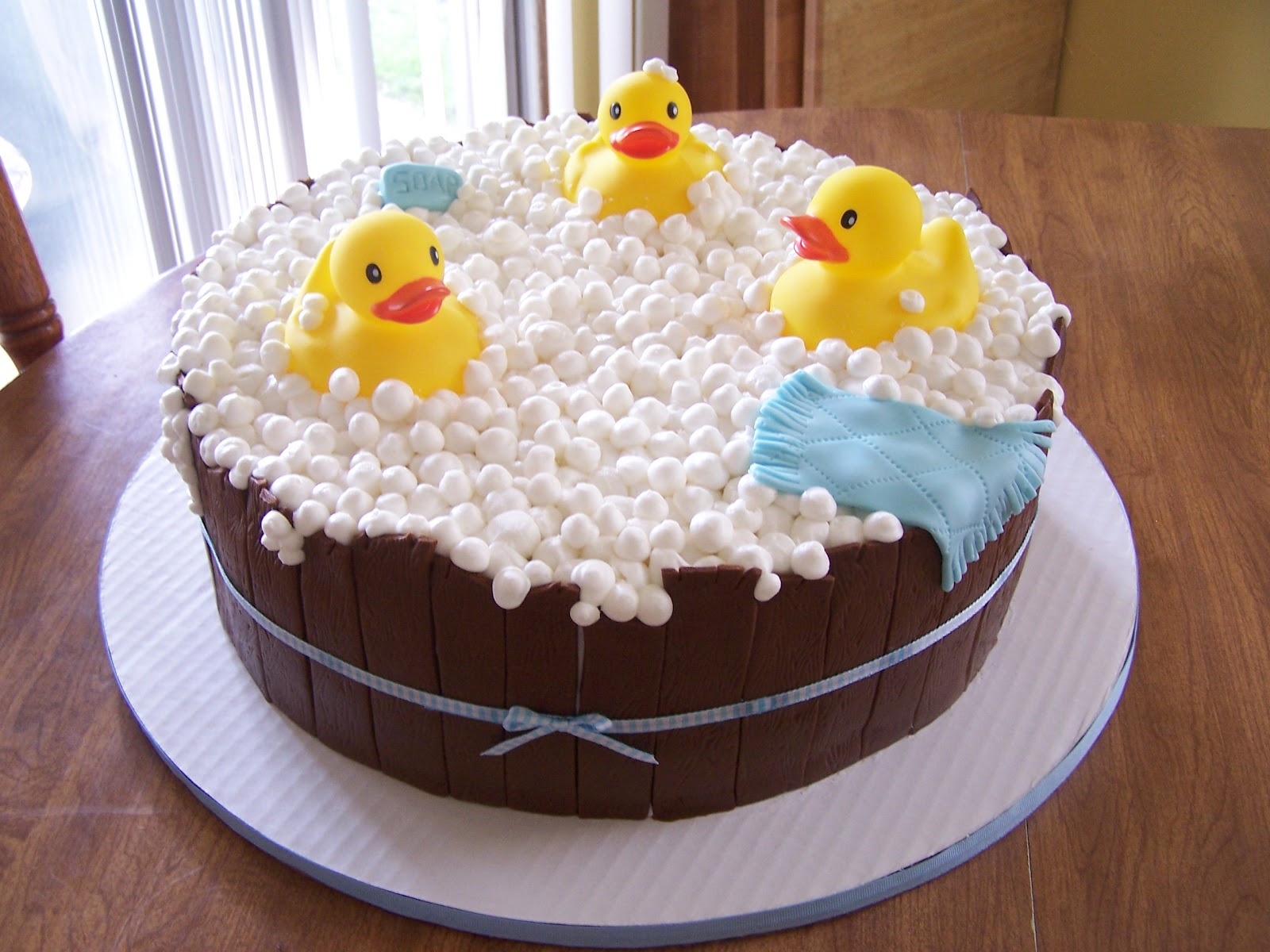 Rubber Duck Baby Shower Cakes http://edees-cakes.blogspot.com/2012/05/boy-rubber-ducky-baby-shower.html
