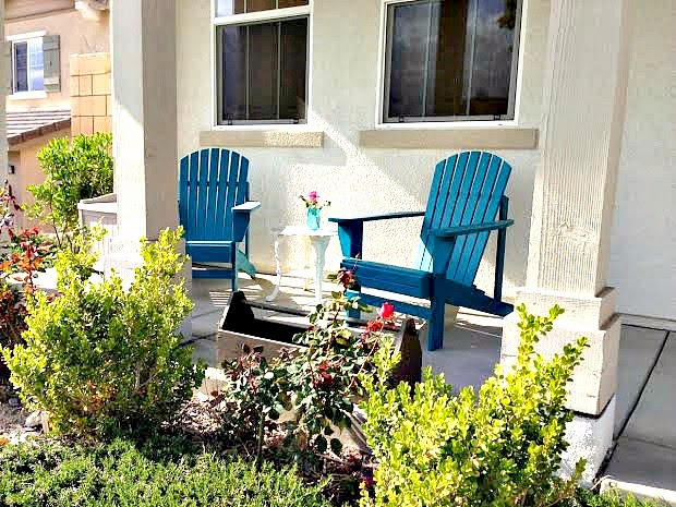 Attirant DIY Painted Front Porch Chairs