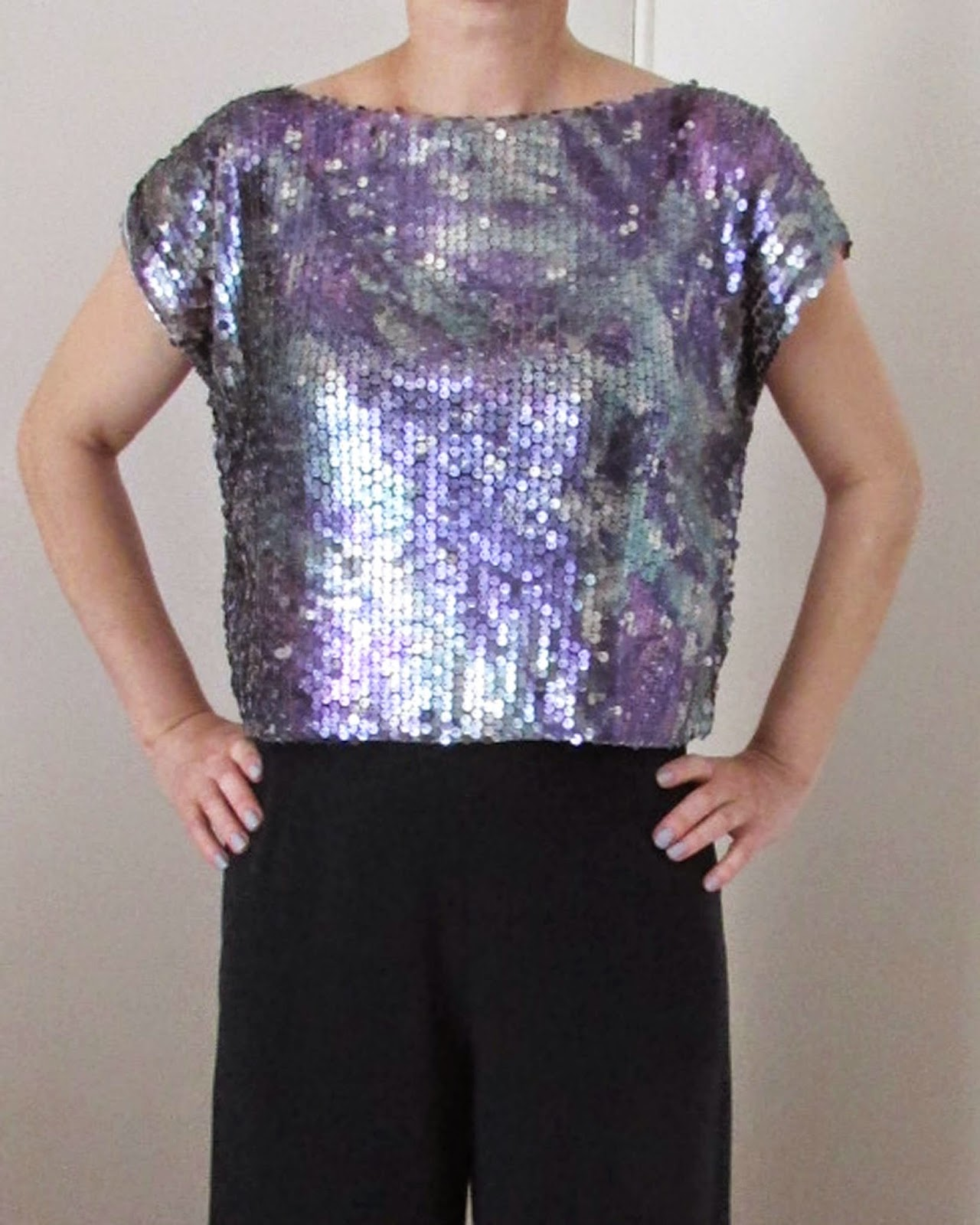 http://ladylinaland.blogspot.com/2014/08/sequin-top.html