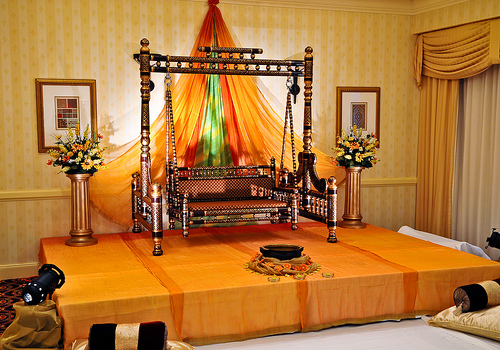 Mehndi Stage Decoration With Flowers : Ghosia caterers flowers decoration mehndi stage