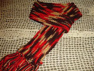 BUFANDA CON ARGOLLA., Esta bufanda también es muy bonita y muuuuuuy fácilita. Lo especial es que tengas algunas lanitas de fantasía.