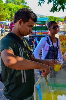 Un buen jugo de naranja recién exprimido no puede faltar en el desayuno. Foto: Jorge Bela