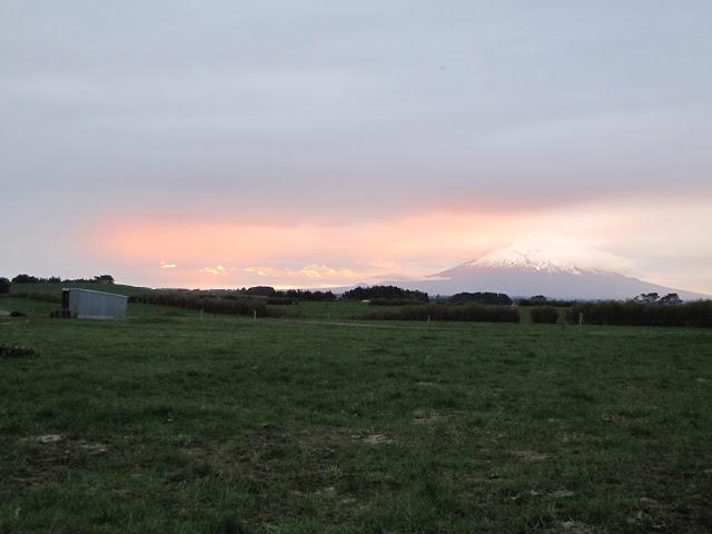 mt-taranaki-sunset