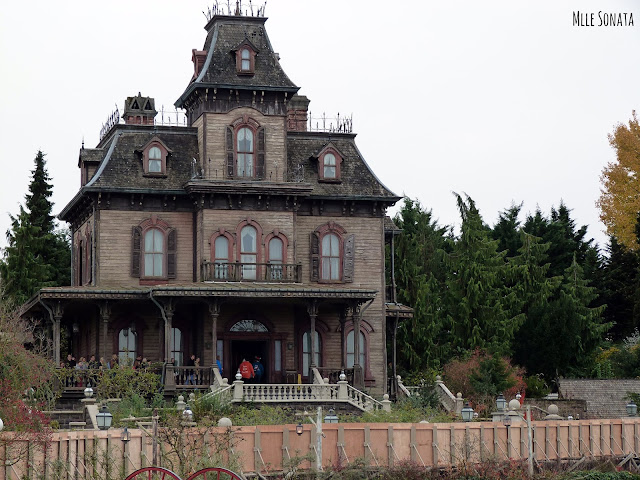 La maison hantée de Disneyland Paris.