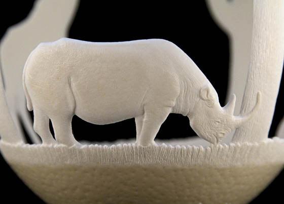 Esculturas de huevos talladas muestran los animales más icónicos de africa